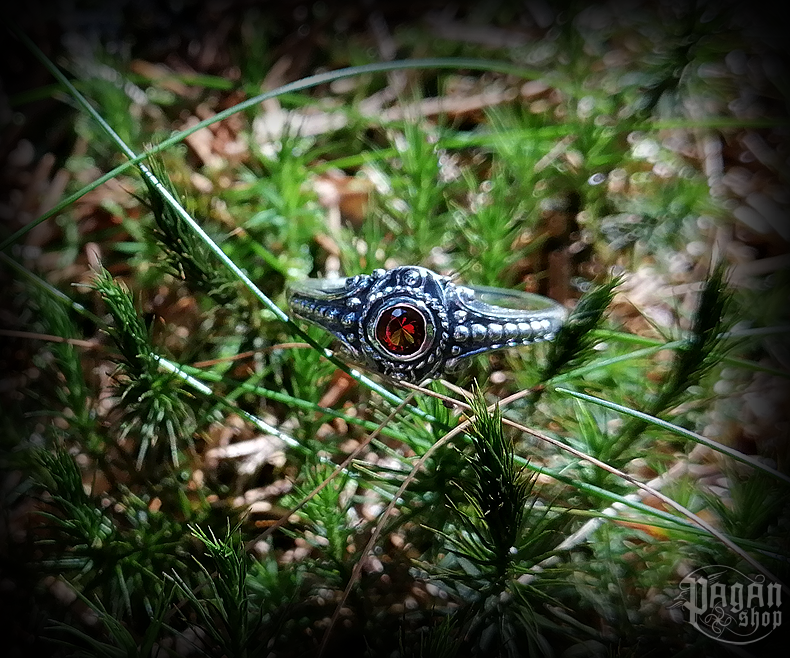 Ring Amara with red crystal - 925 sterling silver