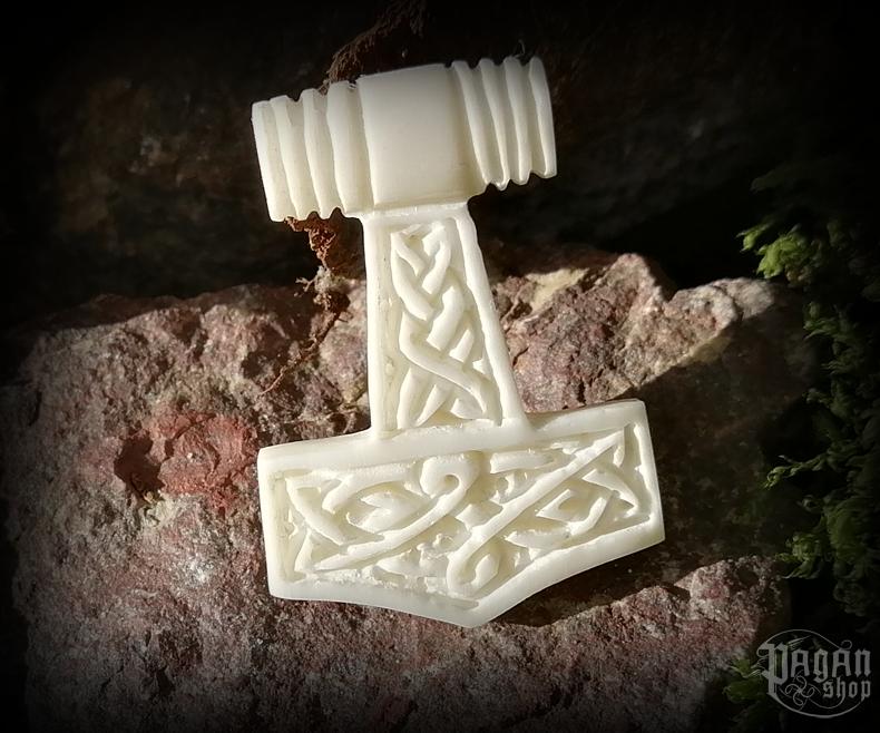 Pendant Thor's hammer Thorrir - bone