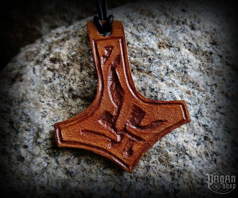 Pendant Thor's hammer Thorgest - leather