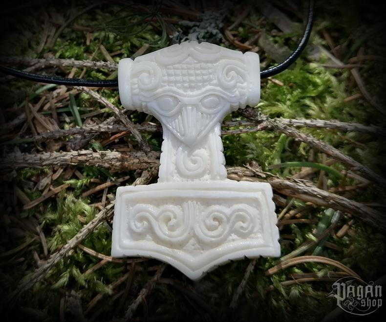 Pendant Thor's hammer Schonenhammer - bone