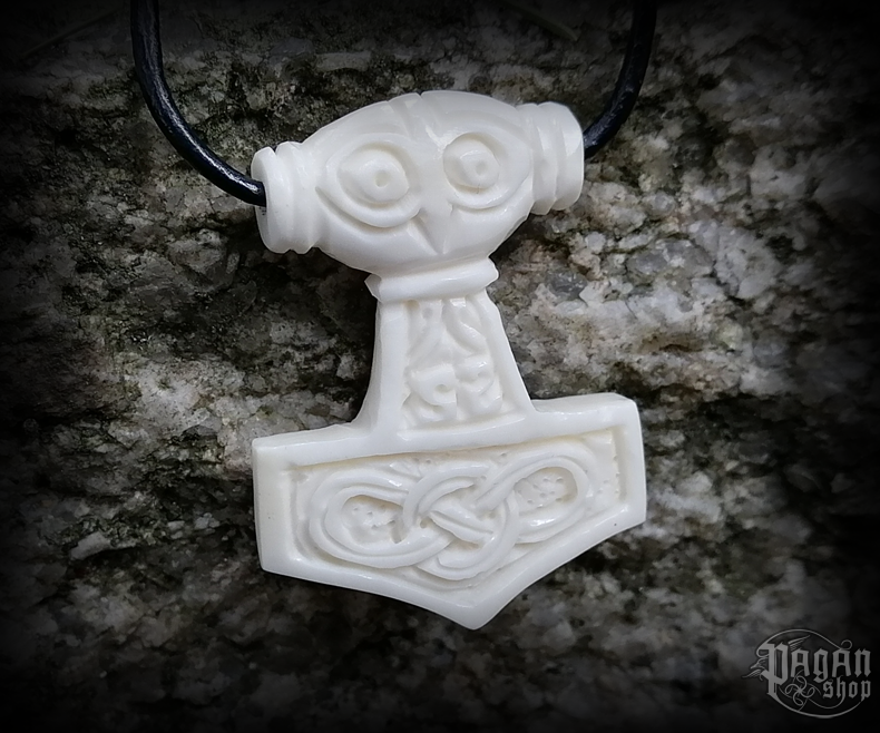 Pendant Thor's hammer Mjölnir - bone