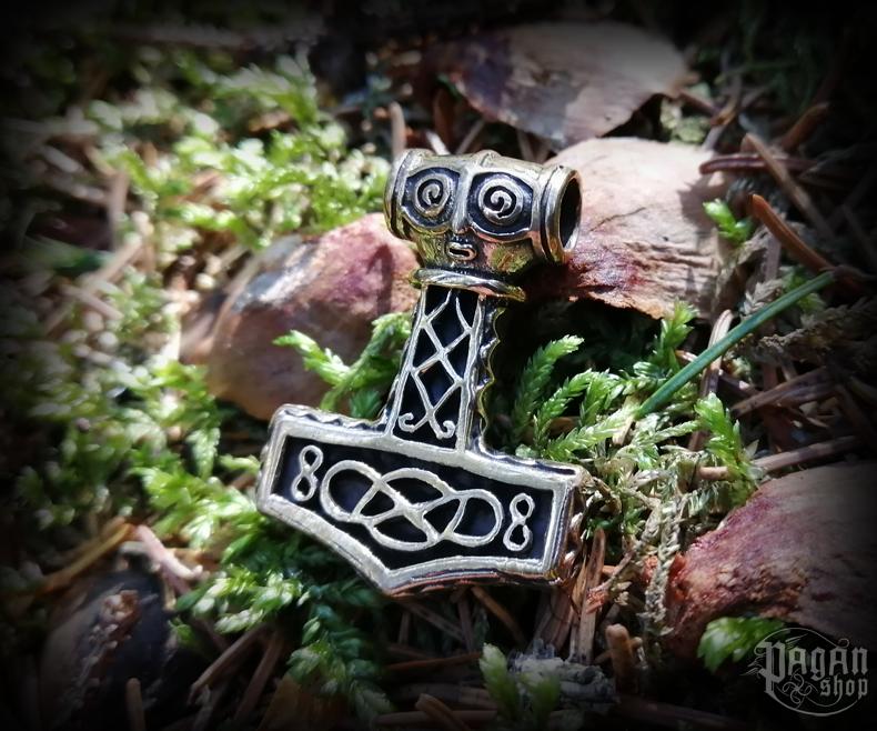 Pendant Thor's hammer Mjölnar - bronze