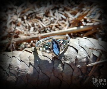 Ring Rigani with dark blue crystal - 925 sterling silver